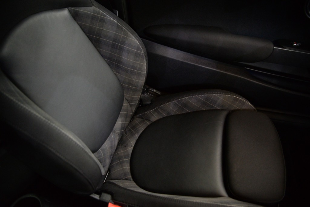 2015 Mini Hatchback 1.5 Cooper 3dr [Chili Pack]15