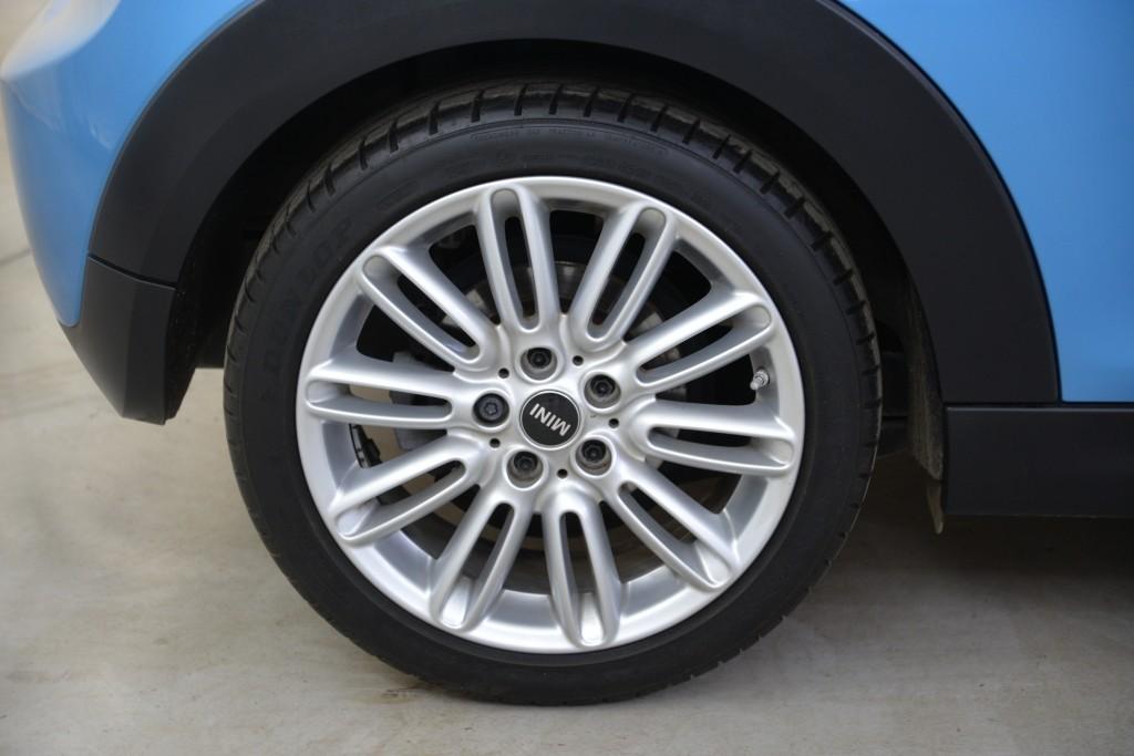 2015 Mini Hatchback 1.5 Cooper 3dr [Chili Pack]22