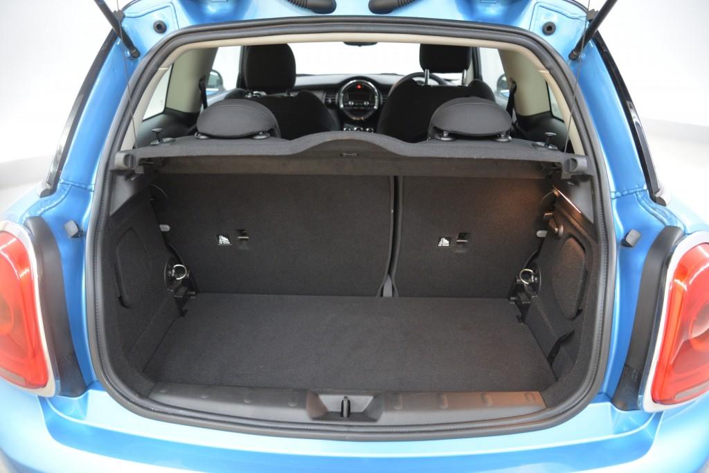 2015 Mini Hatchback 1.5 Cooper 3dr [Chili Pack]23